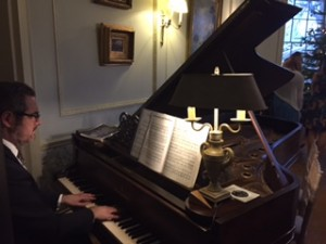 Pianist for Drinks Reception at Middleton Lodge